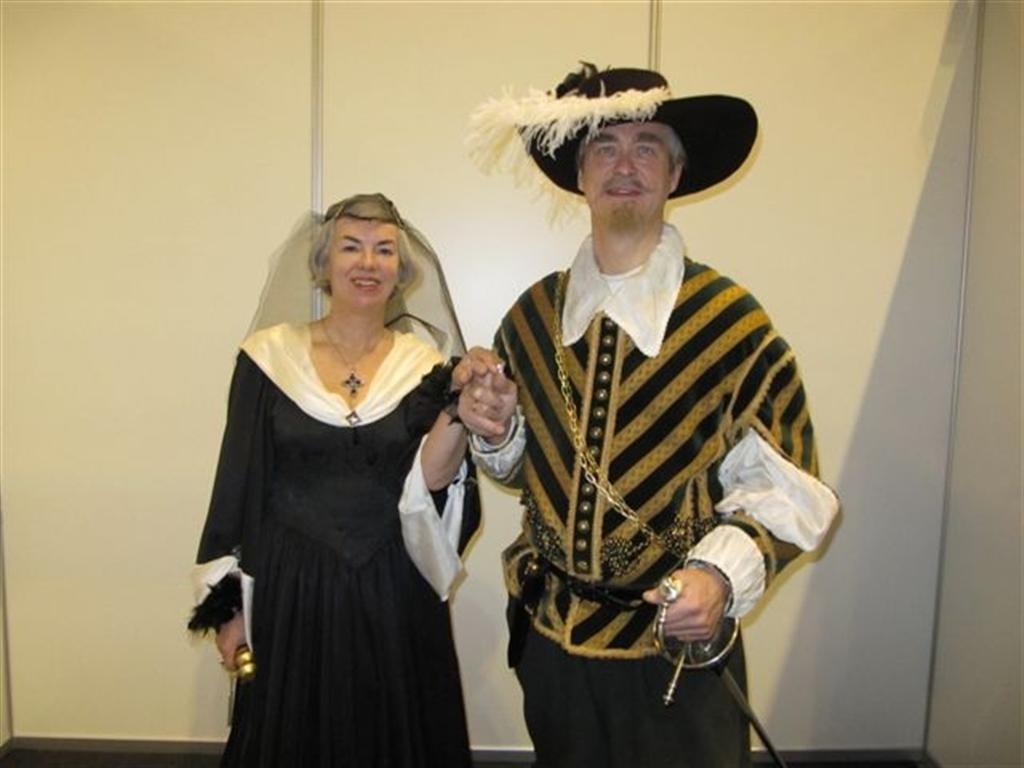 Karin Sandqvist och Jan-Erik Elfving som Ebba Brahe och Jakob de la Gardie. Handelsmässan i Jakobstad 20.11.2010