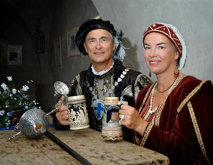 Jan-Erik Elfving.Karin Sandqvist. Karl IX.Kristina av Holstein-Gottorp.