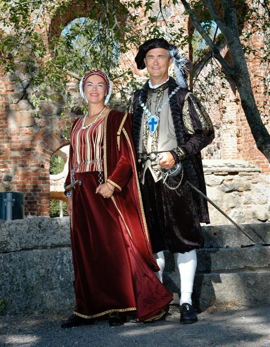 Karin Sandqvist och Jan-Erik Elfving som Kristina av Holstein-Gottorp och Karl IX, Vasa stads grundare. Vasa 400 år 2006. Foto: Hans Elfving